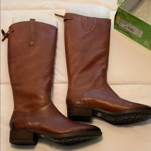 Sam Eldeman riding boots